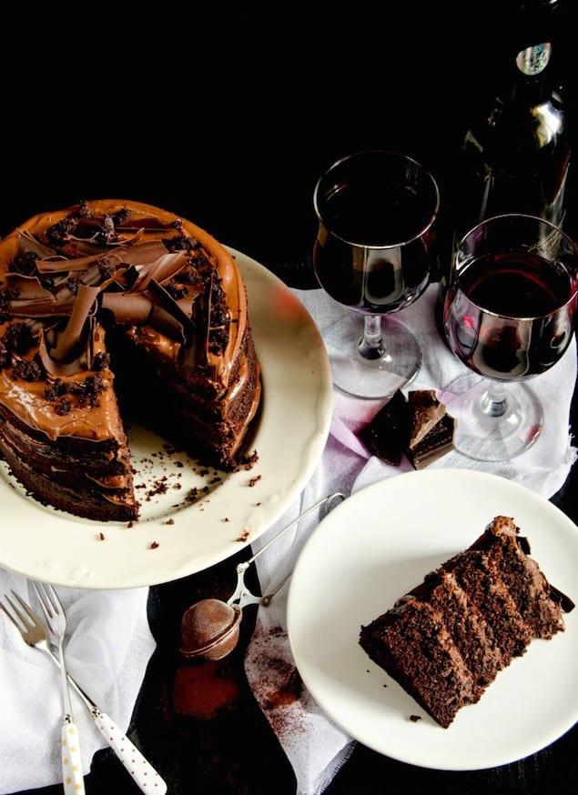 http://honestcooking.com/wp-content/uploads/2015/03/red-wine-chocolate-cake-1b-744x1024.jpg