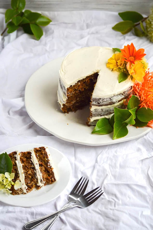 Naked-Carrot-Cake-with-Coconut-Cream-Cheese-Frosting-4