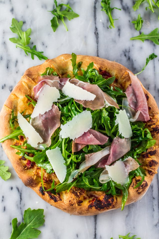 Spring Pizza with Prosciutto and Arugula – Honest Cooking
