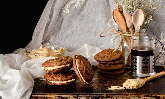 peanut-butter-sandwich-cookies-1-4b-1024x902