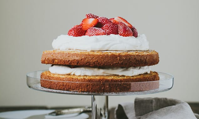 strawberry-almond-cake-7