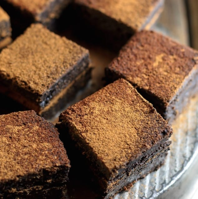 Mexican_hot_chocolate_double_fudge_brownies-5_sq_cmp