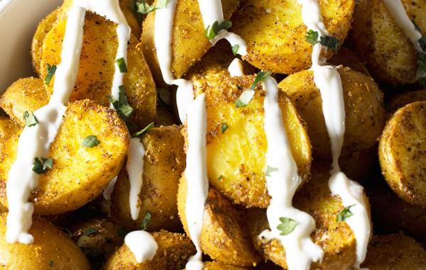 Roasted-Curry-Potatoes-with-Yogurt-Sauce-23psd