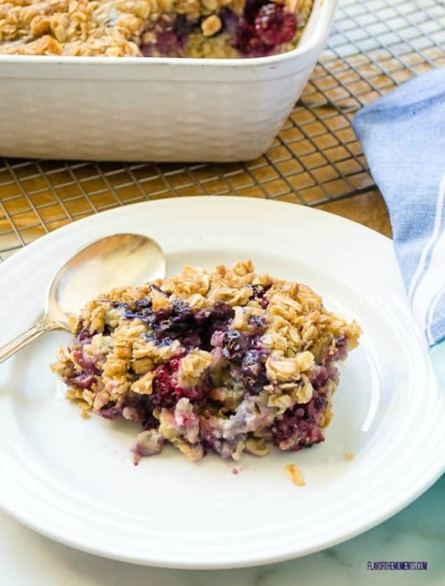 overnight-blueberry-baked-oatmeal-crisp4-flavorthemoments.com-4-500x658