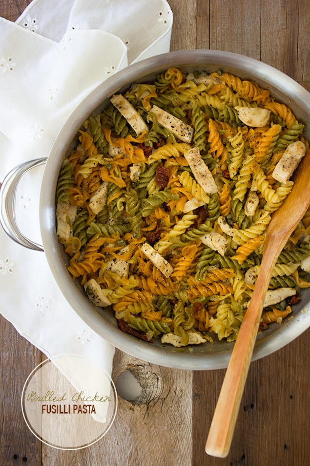 Fusilli with sun dried tomatoes mascarpone and grilled for Good side dishes for grilled chicken