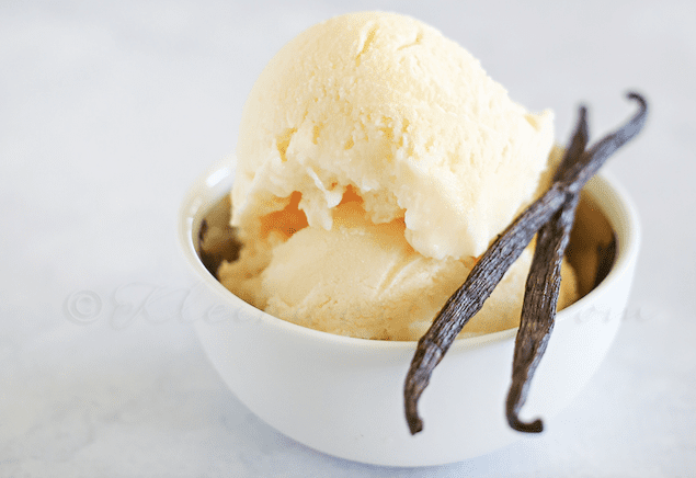 Easy Vanilla Frozen Yogurt