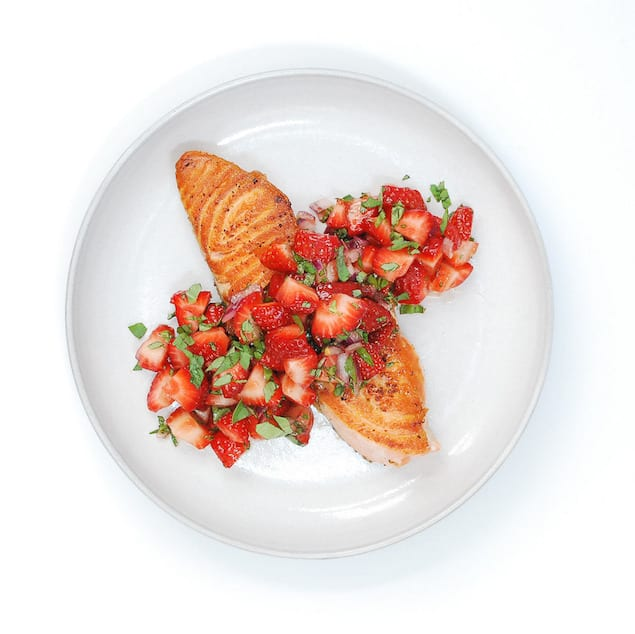 salmon with spicy strawberry salsa