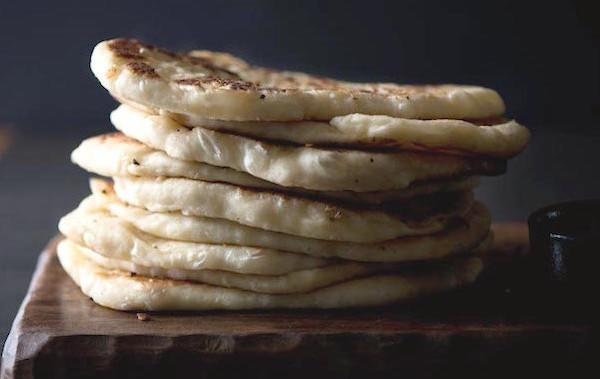Garlic-Cheese-Naan-T