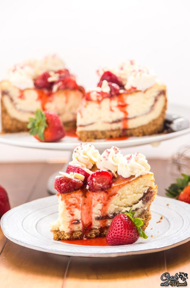 making this white chocolate strawberry cheesecake is really simple you