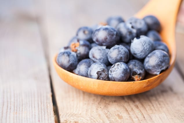 Choosing and Storing Summer Blueberries