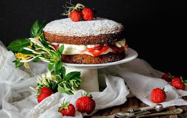 victoria-sponge-cake-1bb-1024x840