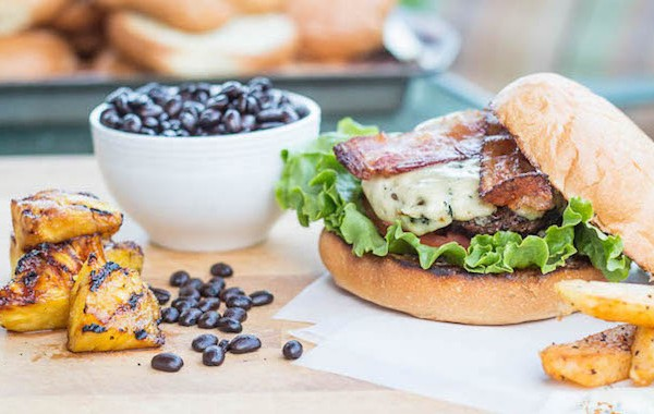 Coffee_Rubbed_Bacon_Burgers-2-1