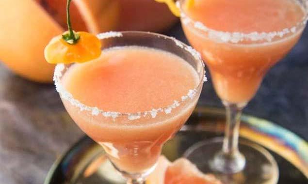 Spicy Grapefruit Margarita – Honest Cooking