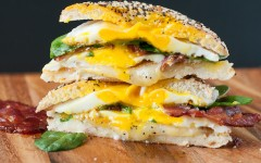 everything-bagel-bacon-breakfast-sandwich-with-spinach-recipe-0364