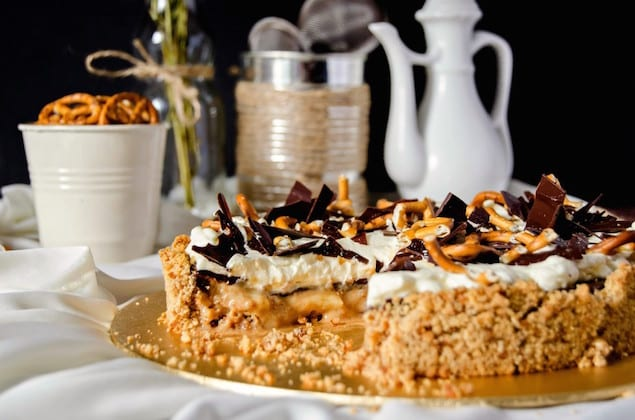 ... caramel with some over-ripe bananas, plenty of chocolate and a