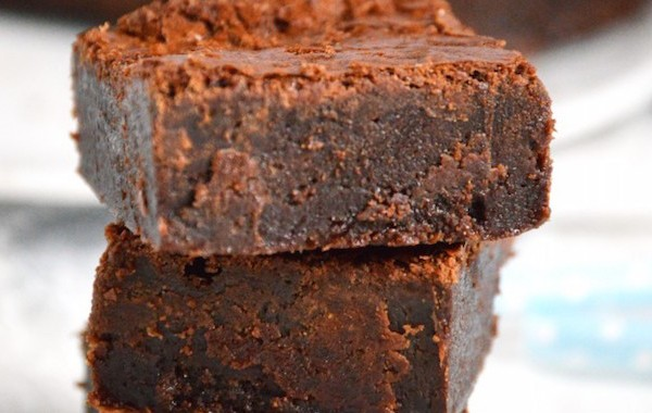 Chocolate-Hazelnut-Brownies-2-680x1024