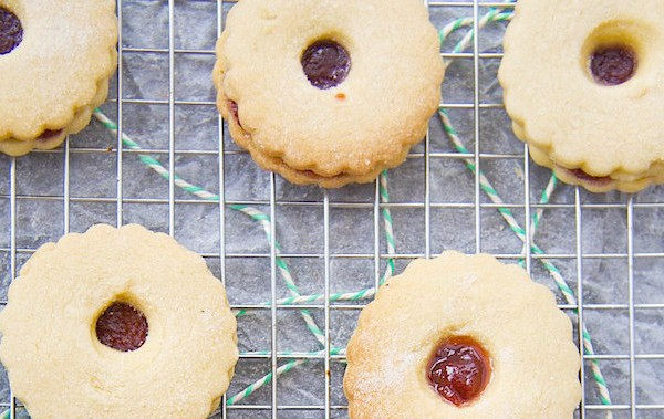Homemade-Jammie-Dodgers-7