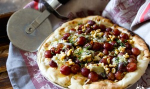 roasted-grape-blue-cheese-honey-thyme-walnut-pizza-8