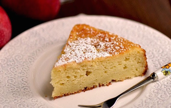 Soft Ricotta and Apple Cake