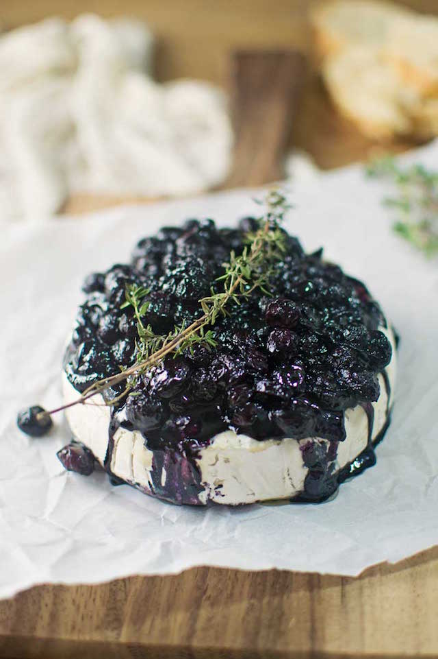 Baked Brie and Balsamic Blueberry Chutney