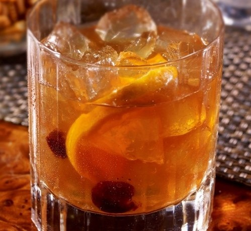 "Celebrate Frank Sinatra's 100th Birthday with this "" Chairman of the Board"" cocktail. Image:Hilton"