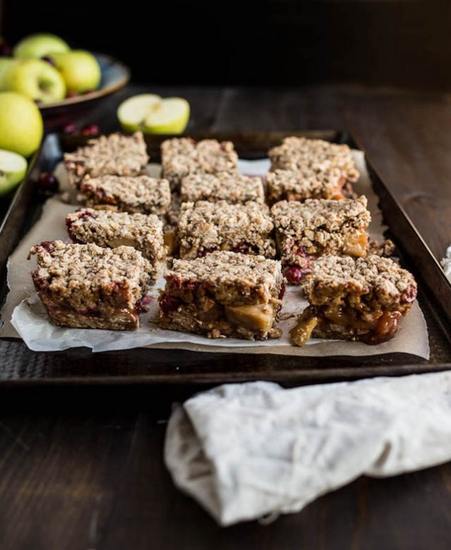 Apple Cranberry Crumble Bars – Honest Cooking