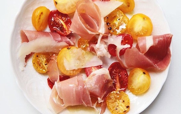 roasted-cherry-tomatoes-and-prosciutto-salad-by-le-zoe-musings
