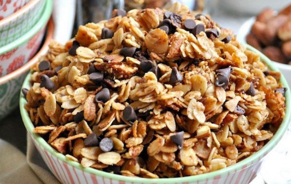 Slow-Cooker-Salted-Caramel-Almond-Granola-5-635x861