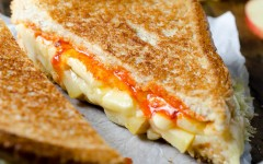 Grilled-Cheese-and-Apple-Sandwich-680-2