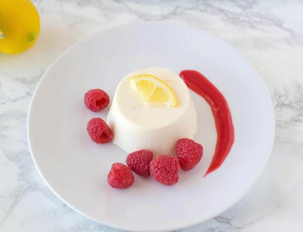 Lemon Panna Cotta with Raspberry Compote3