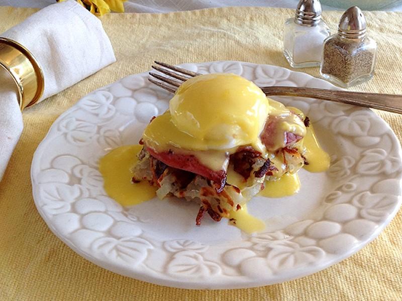 Waffle-Benedict