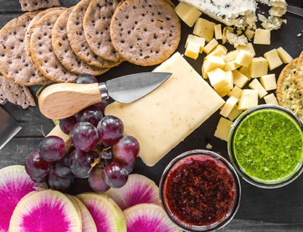 How-to-Make-Spring-Cheese-Board (1)