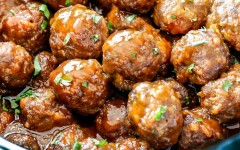 Slow-Cooker-Honey-Buffalo-Meatballs-07-2