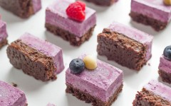 raw-triple-berry-chocolate-vegan-slice 2