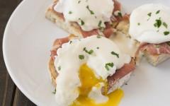 Italian-eggs-benedict-52