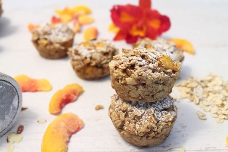 Quick make-ahead breakfasts, like these peach almond oatmeal muffins ...