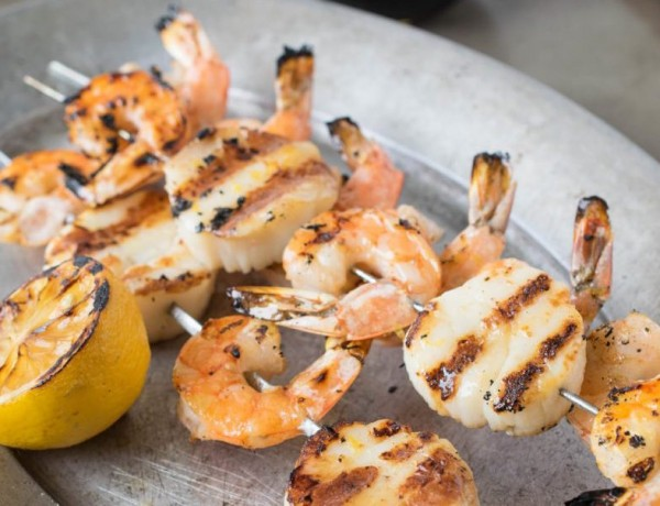 Grilled-shrimp-and-scallop-kebobs-1 (1)