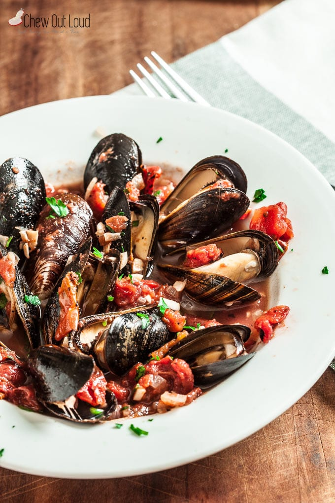 Garlic and Tomato Mussels