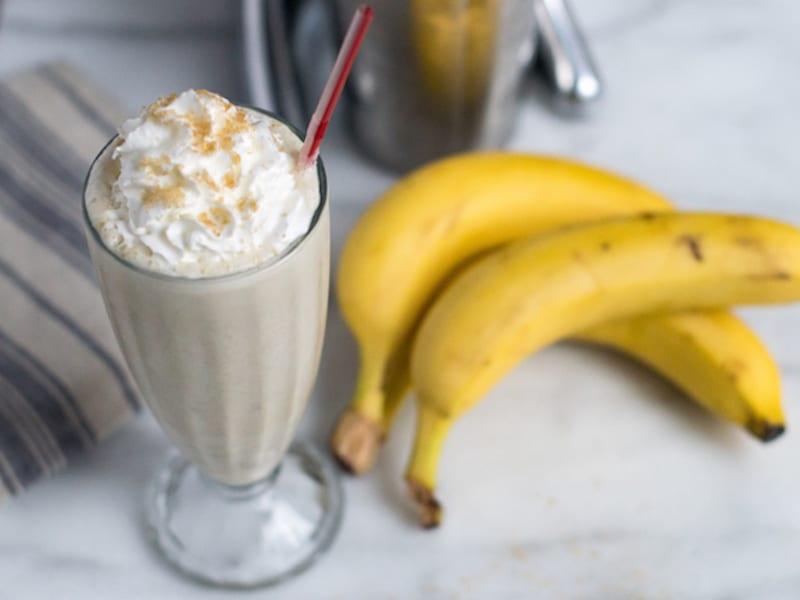Boozy Bananas Foster Milkshake – Honest Cooking