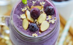 Blueberry-Almond-Oatmeal-Smoothies-10-681x1024