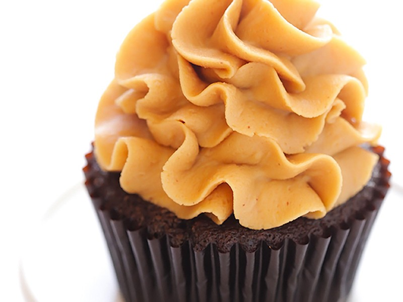 Chocolate-Peanut-Butter-Cupcakes-11