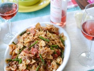 Turkey-Sausage-Pesto-Pasta-with-Asparagus-and-Grape-Tomatoes-4