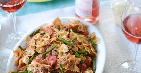 Turkey-Sausage-Pesto-Pasta-with-Asparagus-and-Grape-Tomatoes-4