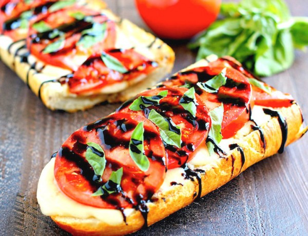 toasted-caprese-garlic-bread-4