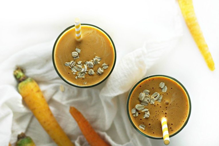 Carrot Cake Smoothie with Oats