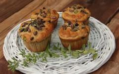 Oregano Pistachio Cakes