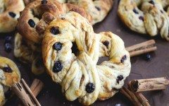 Cinnamon-Raisin-Swirl-Soft-Pretzels-3