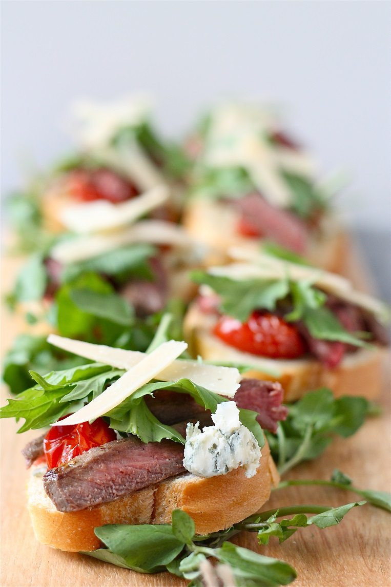 Steak and Roasted Tomato Bruschetta is a great appetizer and one that ...