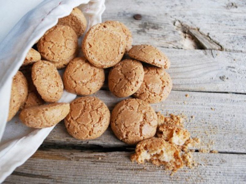 Amaretti – Italy's Answer to Macarons – Honest Cooking