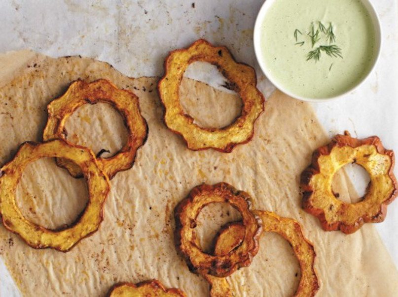 Acorn-Squash-Rounds-with-Dill-Cashew-Cream-1-670x405-1473178390